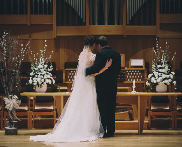 Michigan Wedding Photos: Leah and Drew